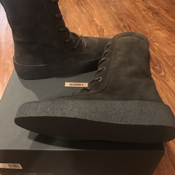 b6cd8d858a4 Yeezy Season 4 Military Crepe Boot Oil US 9